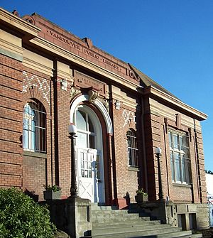 Clark County Historical Museum - The Clark County Historical Museum has been located in the 1909 Carnegie library of Vancouver, WA since 1964.