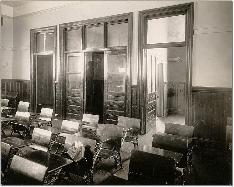 File:Classroom Horner Avenue School 1916.jpg