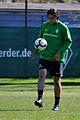 Claudio Pizarro 2010-04-23 (3).jpg