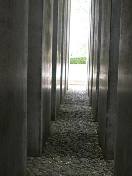 File:Columns-SA.jpg