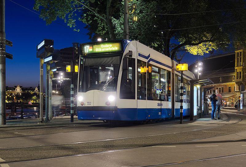 Quanto custa o tram em Amsterdam