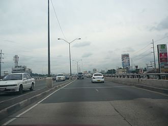 Commonwealth Avenue, Quezon City - Commonwealth Avenue in Tandang Sora in 2008, prior to the construction of the Commonwealth Avenue/C-5 Flyover.