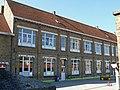 Complex van de Vrije Basisschool, Pastoor de Neveplein 10, Westkapelle (Knokke-Heist).JPG