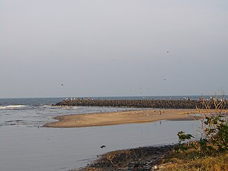 Cooum River - Tidal barriers at the Cooum Delta