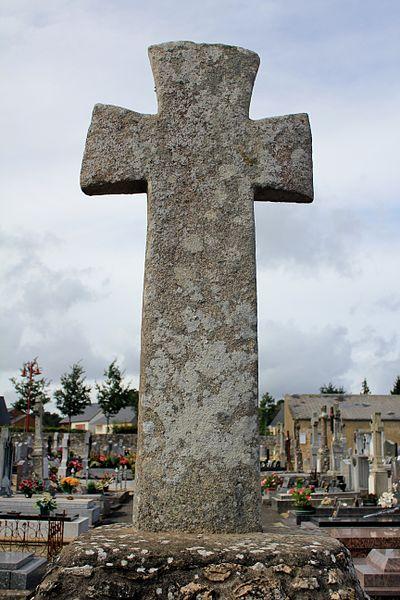 Croix de cimetière (Guillac) de dos
