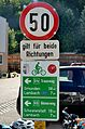 Cycling route signs 01, Saag, municipality Edt bei Lambach.jpg