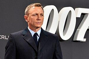 "Billy Reid (fashion designer) - Image: Daniel Craig Film Premiere ""Spectre"" 007 on the Red Carpet in Berlin (22387409720)"