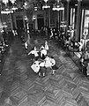 Dansgroepen in het stadhuis van Rotterdam, Bestanddeelnr 909-7473.jpg