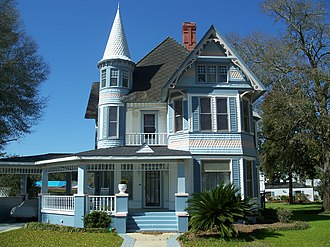 National Register of Historic Places listings in Walton County, Florida - Image: De Funiak Springs Hist Dist CD0188b