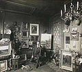 De schilder Arnold Marc Gorter in zijn atelier, gefotografeerd door Sigmund Löw in 1903.jpg