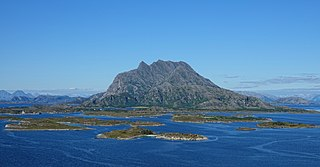 Dønna (island) island in Dønna, Norway