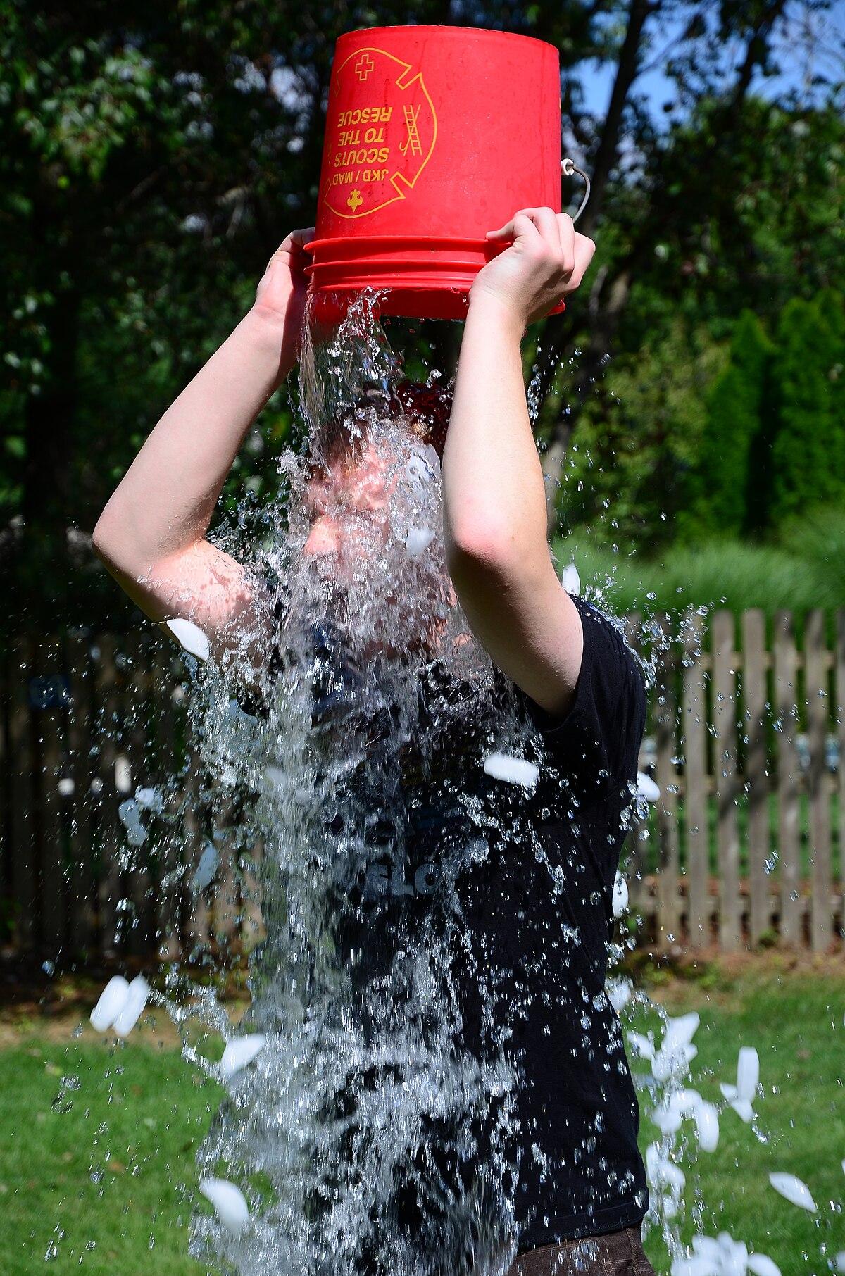 Doing the ALS Ice Bucket Challenge (14927191426).jpg
