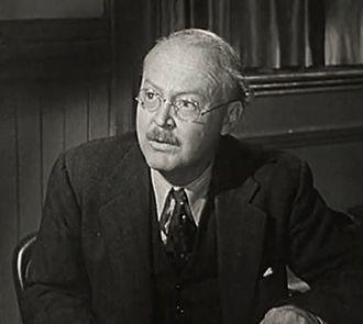 Don Beddoe - Don Beddoe in Behind Green Lights (1946)