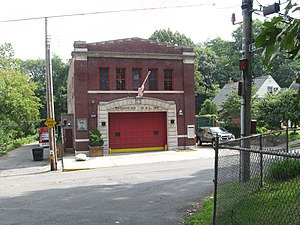 Douglaston, Queens - FDNY Engine 313/Ladder 164 Firehouse on 244th Street