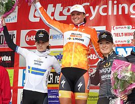 podium Le Samyn 2016: Emma Johansson (2), Chantal Blaak (1) & Amy Pieters (3)