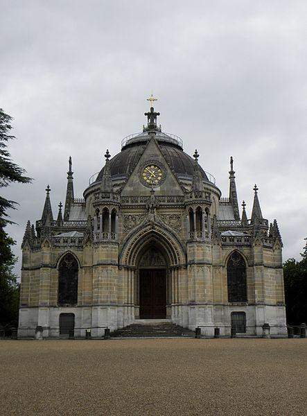 Façade occidentale de la chapelle royale Saint-Louis de Dreux (28).