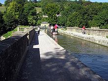 220px Dundas.aqueduct.300805.arp