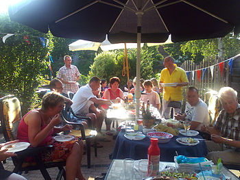 Nederlands: Typische Nederlandse familiebarbec...