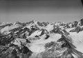 ETH-BIB-Berner Alpen, Fiescherhörner von Osten-LBS H1-018806.tif