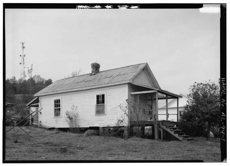 File:EXTERIOR VIEW, LOOKING NORTHEAST, ALONG NEW AVENUE WITH FORMER TCI-US STEEL 'TWO ROOM' HOUSE. - Black Worker Houses, Morgan Road, Bessemer, Jefferson County, AL HAER ALA,37-BES.V,1-1.tif