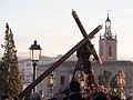 El cristo y de fondo la iglesia de Santa Maria.jpg