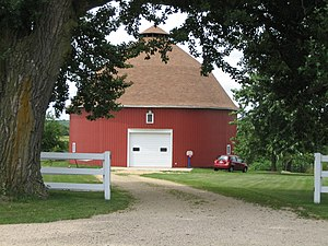 Dennis Otte Round Barn - The Otte Round Barn's main entrance faces due east.
