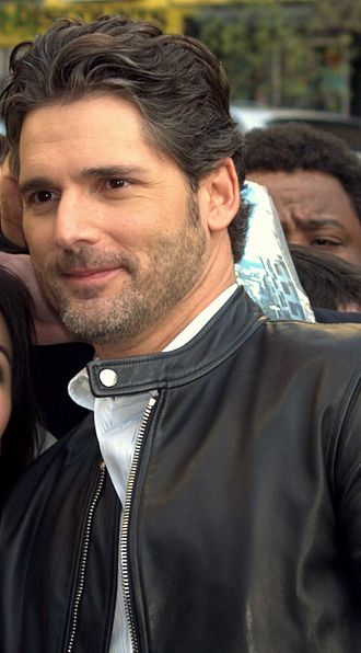 Eric Bana - Bana posing with fans at the 2009 Tribeca Film Festival