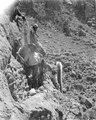 Eric von Rosen med utgrävning av en grav. Puna de Jujuy. Argentina - SMVK - 003655.tif
