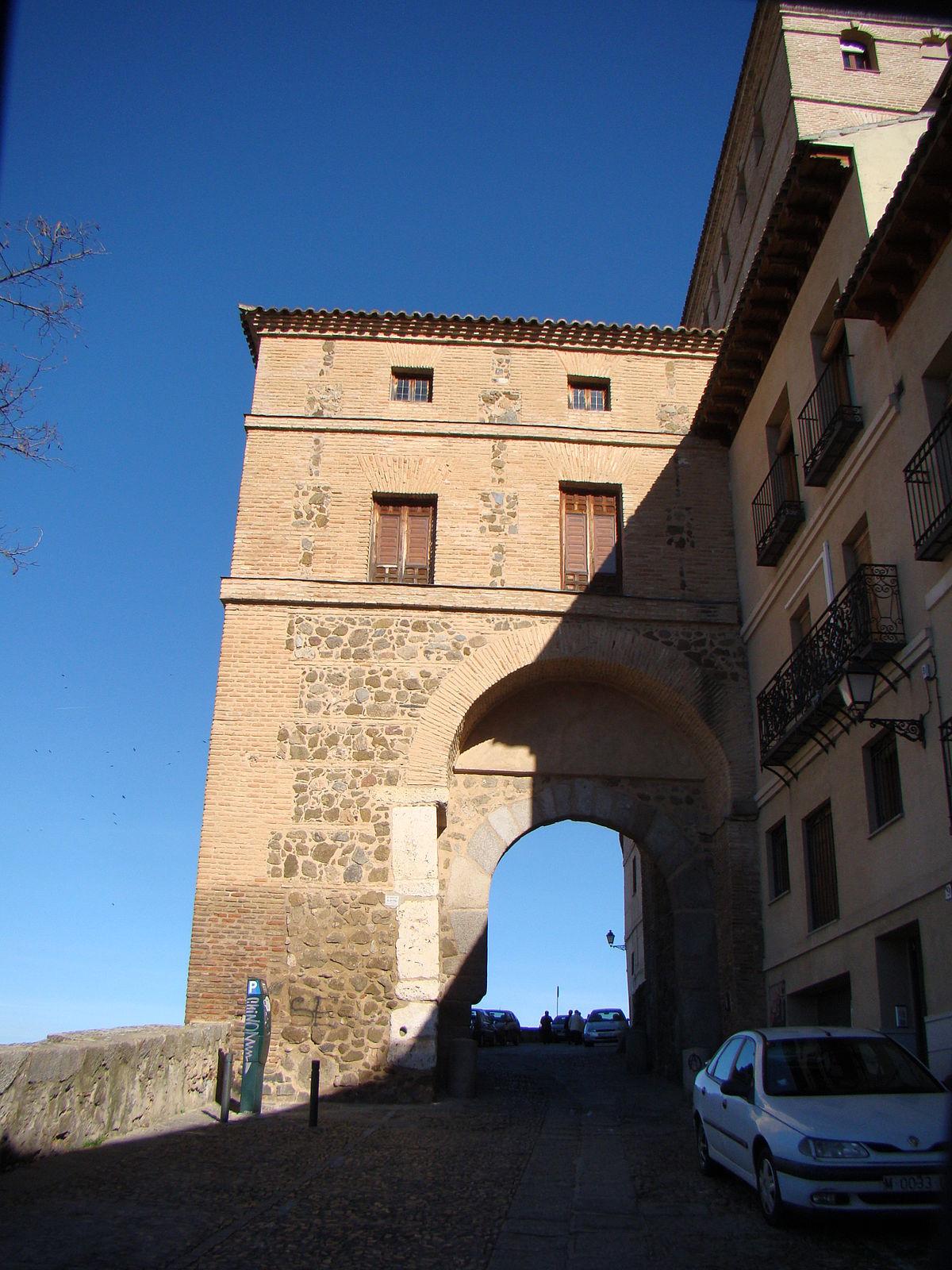 Puerta de alarcones wikipedia la enciclopedia libre for Shoko puerta de toledo