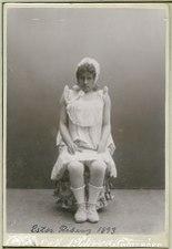 Ester Rising, rollporträtt - SMV - H7 045.tif
