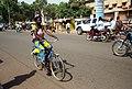 Femmes à vélo à Ouagadougou6.jpg