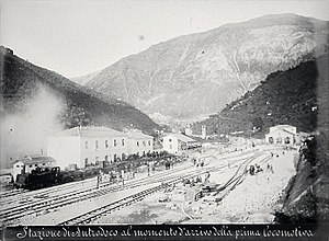 Terni–Sulmona railway - The first locomotive reaches the Antrodoco-Borgo Velino railway station, circa 1882 or 1883