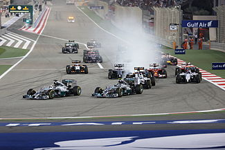 First lap 2014 Bahrain Grand Prix (3).jpg