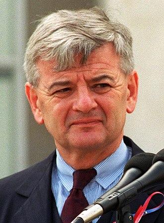 2002 German federal election - Image: Fischer und Paul Wolfowitz (Headshot)