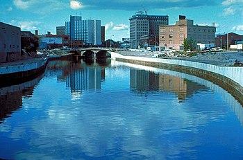 English: The Flint River in Flint, Michigan, U...