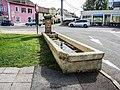 Fontaine-lavoir, devant la mairie.jpg