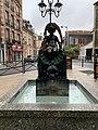 Fontaine Rosettes Fontenay Bois 1.jpg