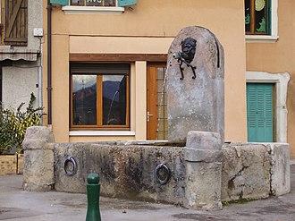 La Buisse - Medieval water fountain in La Buisse