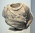 Frammento di statua di atena di tipo vescovali, 90-110 dc ca. da orig. greco del 350 ac ca, dal palatino.jpg