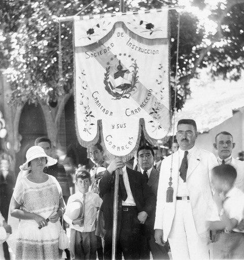 Domínguez e a súa esposa Celsa Fernández en 1924.