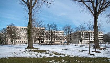Frankfurt Campus Westend GuE-Wissenschaften+Verwaltung.20130316.jpg