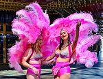 Fremont Street Experience Las Vegas Show Girls (29453129503).jpg