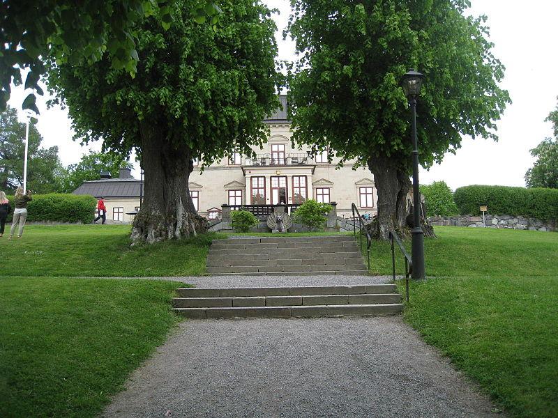 Görvälns slottspark 2015-a1.jpg