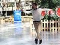 Galcerán inaugura junto a Javier Fernández una Pista de Hielo en Azca con su nombre 02.jpg