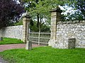Gate and mounting block Kirkheaton Manor House - geograph.org.uk - 251571.jpg