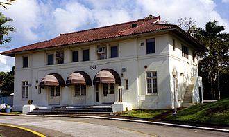Gatún - Gatun's former clinic, Bldg. 122 on Bolivar Highway