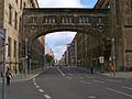 Gebäudekomplex der Deutschen Bank - Übergangsbrücke-wp.jpg