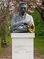 Geza Gardonyi Statue - Agard 01.jpg