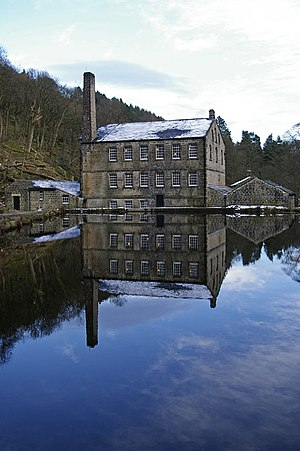 Hardcastle Crags - Gibson Mill and the mill pond