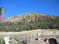 Gins Leap Rock Face - panoramio.jpg